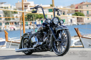 Harley-Davidson Softail Deluxe Chicano Style