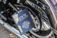 Harley-Davidson Softail Deluxe Chicano Style seitliches Kennzeichen