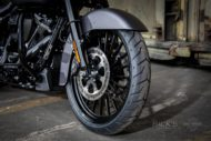 Harley-Davidson Road King Custom 21