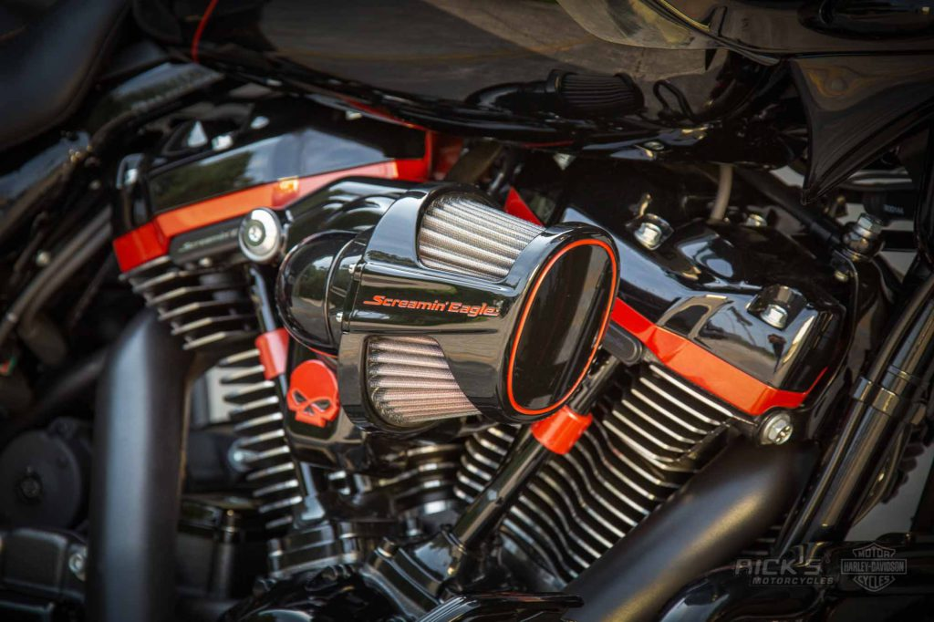 King Size CVO Road Glide | Rick`s Motorcycles - Harley