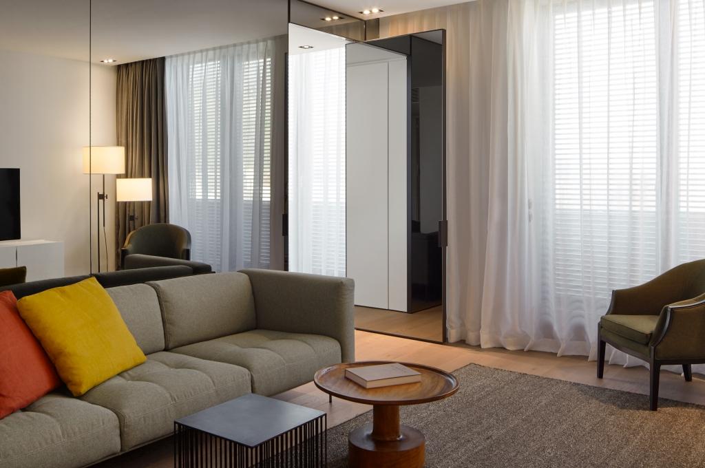 roomers baden baden select suite 01 rick s motorcycles harley davidson baden baden. Black Bedroom Furniture Sets. Home Design Ideas