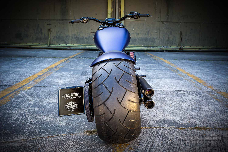 Harley Davidson Breakout 300 Custom Ricks 036