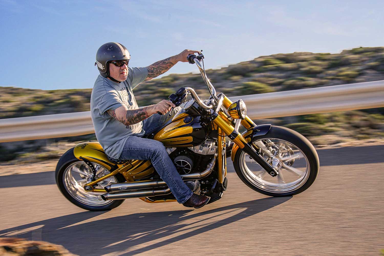 Harley Davidson Slim Bobber Fahr 042
