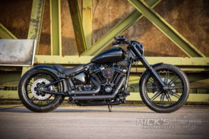 Harley Davidson Milwaukee Eight Breakout black 002