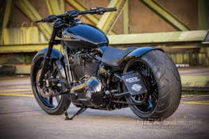 Harley Davidson Milwaukee Eight Breakout black 031