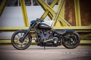 Harley Davidson Milwaukee Eight Breakout black 049