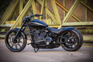 Harley Davidson Milwaukee Eight Breakout black 051