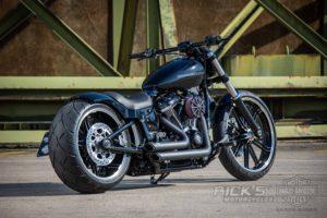 Harley Davidson Breakout Custom Ricks 001
