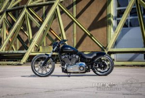 Harley Davidson Breakout Custom Ricks 023