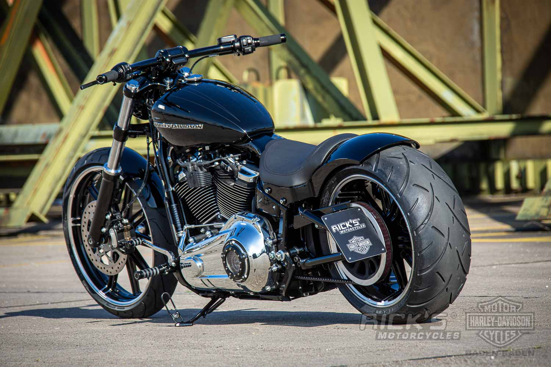 Harley Davidson Breakout Custom Ricks 025