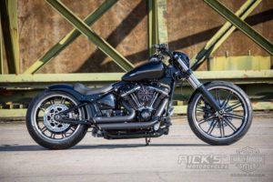 Harley Davidson Breakout Custom Ricks 039