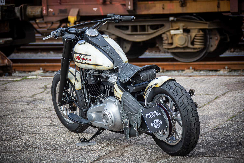 Harley Davidson Slim Bobber WW 039