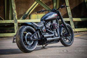 Harley Davidson Street Bob Custom Ricks 036