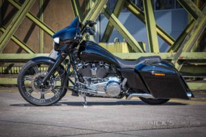 Harley Davidson Street Glide Ricks 23Zoll Custom 107