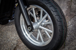 Harley Davidson Slim Bobber WW 012