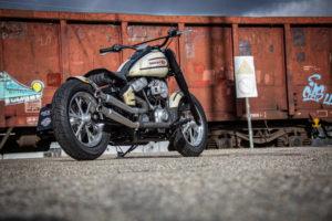 Harley Davidson Slim Bobber WW 037
