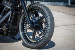 Harley Davidson Street Bob 300 Custom Ricks 018