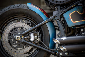 Harley Davidson Twin Cam Softail Slim Bobber kurz 021