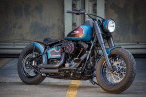 Harley Davidson Twin Cam Softail Slim Bobber lang 001
