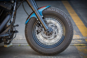 Harley Davidson Twin Cam Softail Slim Bobber lang 011