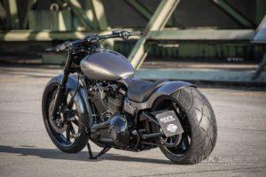 Harley Davidson Breakout Milwaukee Eight Custom Ricks 028