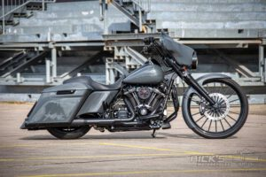 Harley Davidson Street Glide 26 Custom Ricks 009