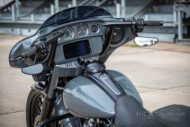 Harley Davidson Street Glide 26 Custom Ricks 018