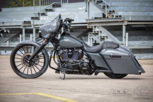 Harley Davidson Street Glide 26 Custom Ricks 020