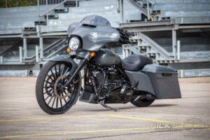 Harley Davidson Street Glide 26 Custom Ricks 025