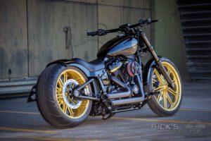 Harley Davidson Breakout Custombike Ricks 010
