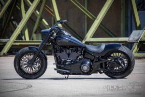 Harley Davidson Fat Boy 300 Screaming Eagle Custom 040