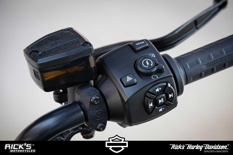 HD SportsterS detail 052