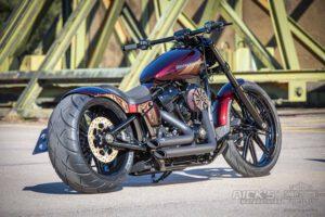 Harley Davidson Breakout Ricks Softail 097