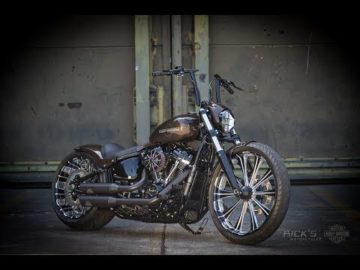 Harley-Davidson Breakout project by Rick's Motorcycles for Custom Chrome Europe
